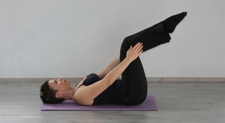 תרגיל פילאטיס Double Leg Stretch